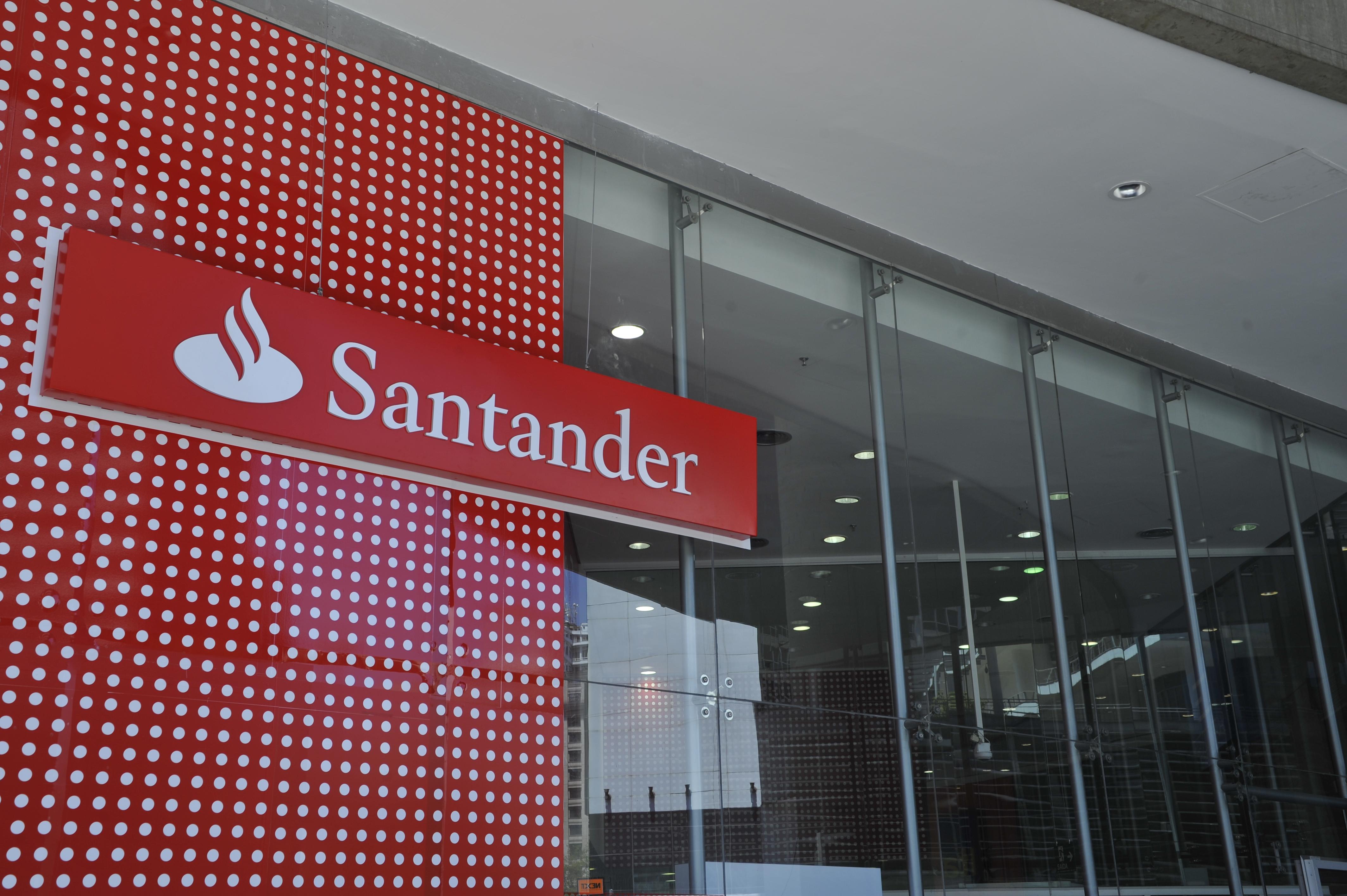 Energia Solar E Eólica Irão Abastecer 100% Das Agências Do Santander Brasil